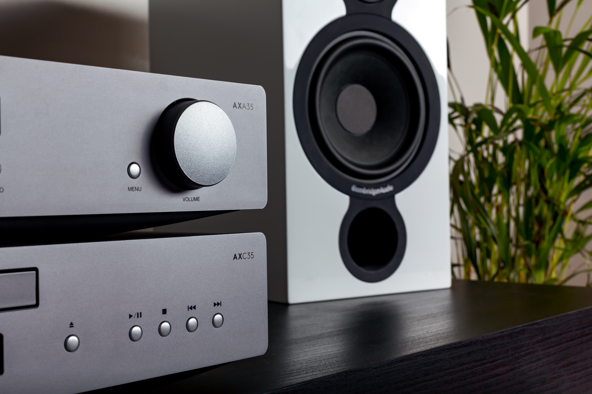 AXA35 - Integrated Amplifier w/ Built-in Phono-stage