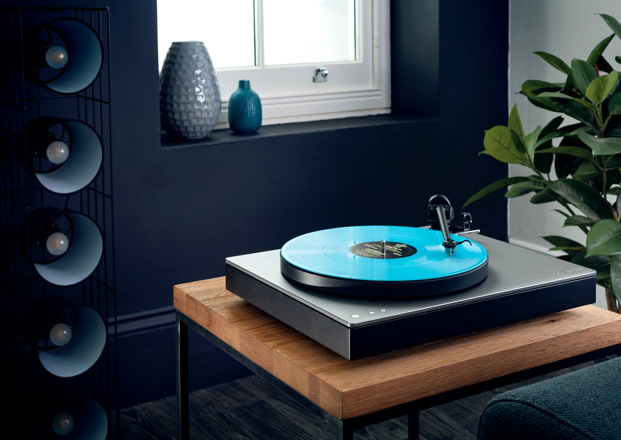 Alva TT - Direct Drive Turntable with Bluetooth aptX HD | Cambridge