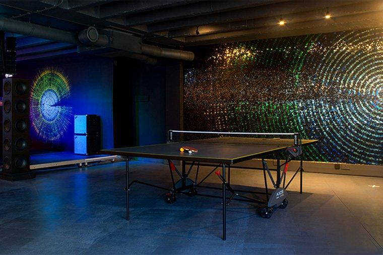 Cambridge Audio Melomania table tennis