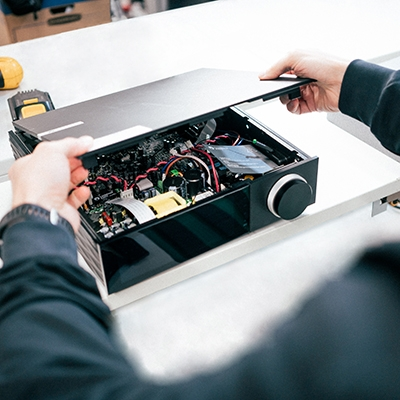 Evo engineering image, taking the lid off the product