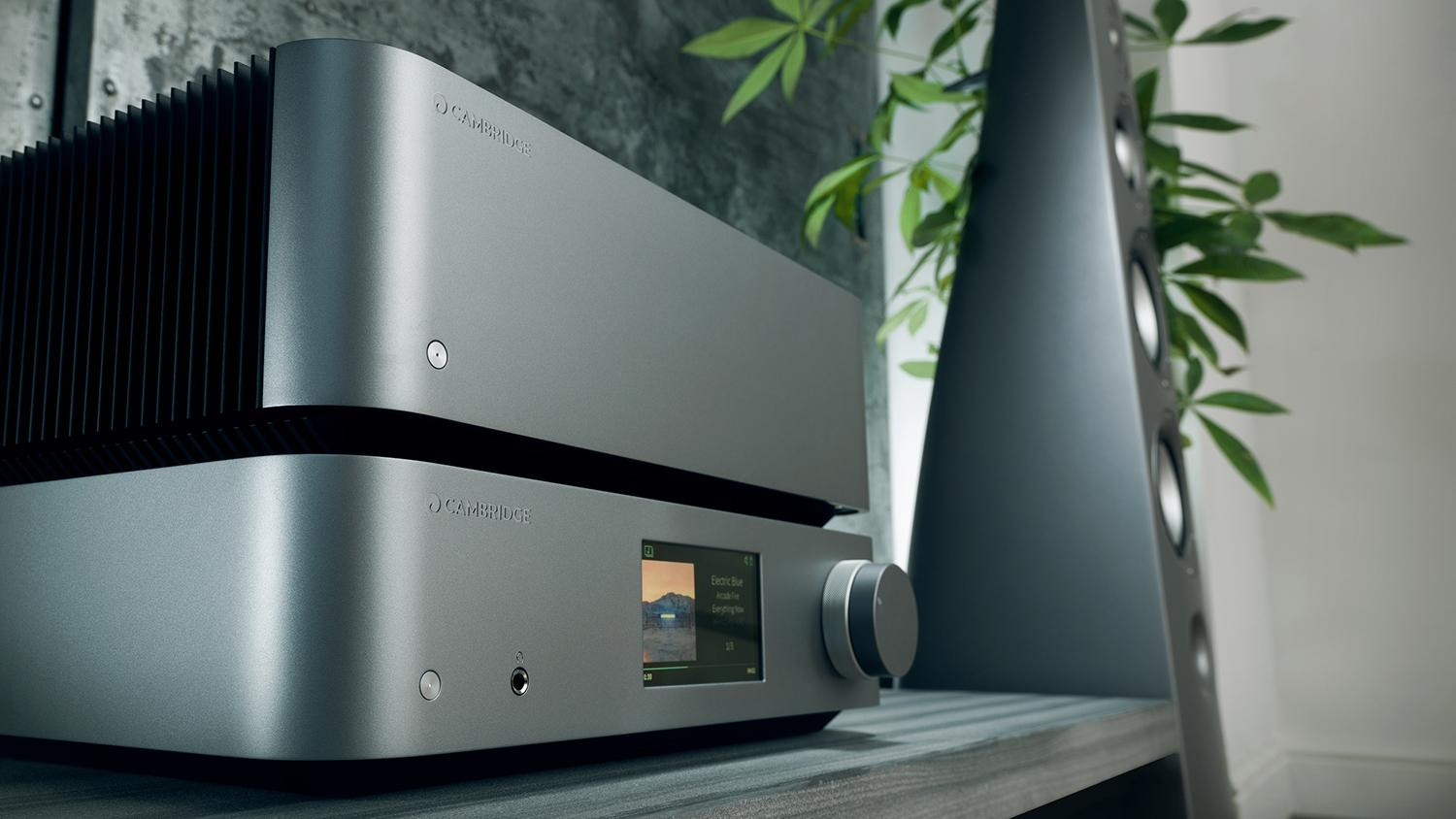 Edge W Power Amplifier and Edge NQ Network Player stack